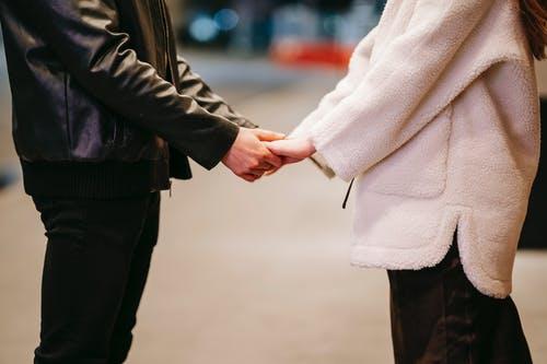 挽回男友送什么礼物好,正确的挽回思路是什么